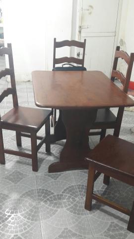 Mesa de Angelim