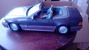 Miniatura Maisto 1:18 – Mercedez-Benz 500 SL