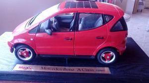 Miniatura Maisto 1:18 – Mercedez-Benz A-Class