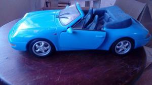 Miniatura Maisto 1:18 – Porsche 911 Carrera Cabriolet