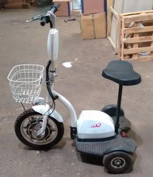 Triciclo motor elétrico, Bivolt, pouco Utilizado apenas 2
