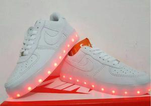 Tenis Nike led Top