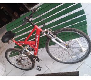 bicicleta top de linha aro 26 com 21 marchas 2 suspensões