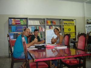 Em Araçatuba: Aulas de Matemática e Redação