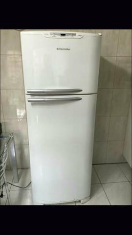 Compro. Geladeiras e Máquinas De Lavar Funcionando Ou Com