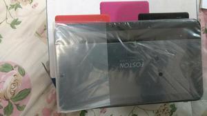 Fone bluetooth e rádio um tablete