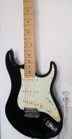 Guitarra Tagima T635 novinha e regulada - valor negociavel