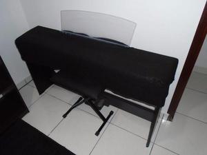Piano digital Yamaha modelo P-95