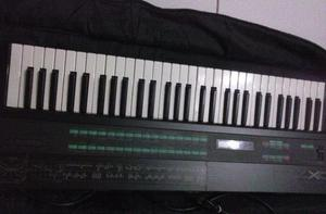Syntetizador Yamaha DX7, aceito troca por controlador de