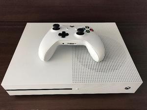 Xbox One Slim perfeito 4 meses de uso