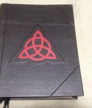 Livro das Sombras (Livro de Magia)