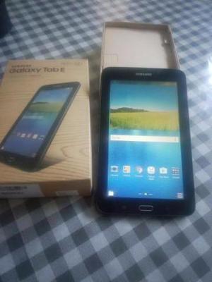 Tablet Samsung Galaxy Tab E 7.0 WiFi SM-T113NU