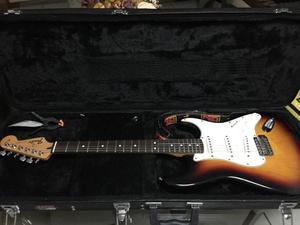 Guitarra Fender mexicana. Comprada na harmonia musical.