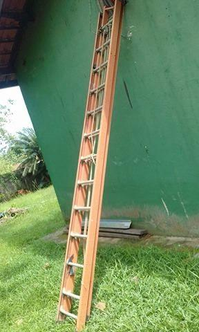 Escada estensivel fibra 23 degraus