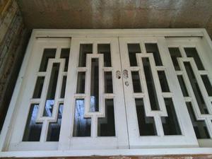 Janelas e porta de madeira modelo Tróia