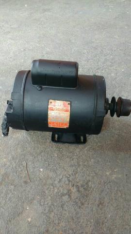 Motor weg monofasico 1Cv