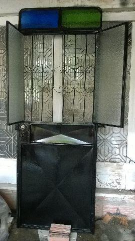 Porta de ferro colonial