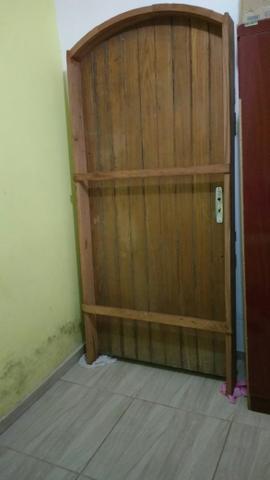 Porta de madeira semi nova