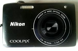 Máquina fotográfica digital Nikon Coolpix 14 megapixes