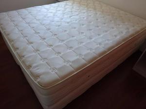 Colchao Queen pillow top