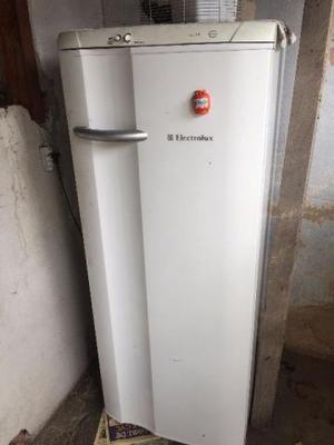 Geladeira usada 280 litros