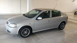 Astra CD 2.0 Hatch 4 portas -