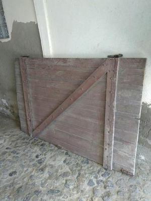 Portao social e de garagem madeira antigo
