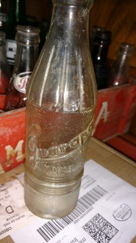 Garrafa antiga refrigerante guarapan
