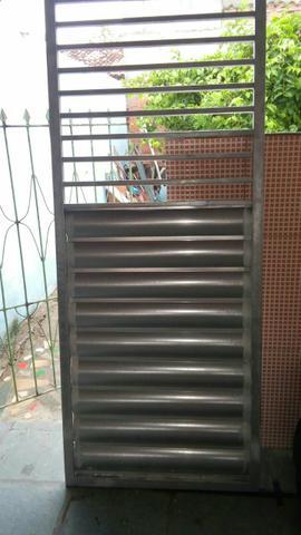 Portao de metalon