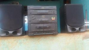 Som da Philips toca disco de vinil, fita e radio AM e FM