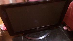 Tv lcd lg 42 polegadas com detalhes