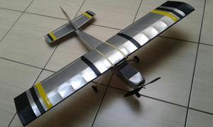Aeromodelo treinador