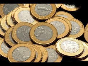 Coleçao de moedas antigas e novas aparti de  reais