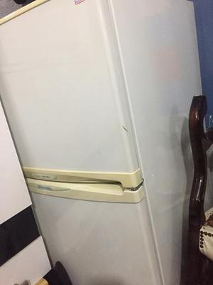 Geladeira electrolux novíssima