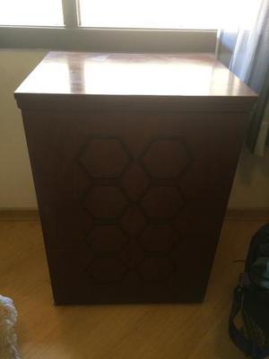 Maquina de costura singer facilita com gabinete