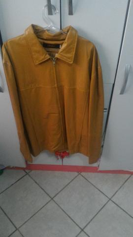 Vende-se jaqueta