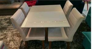 Sala de jantar Mesa com 4 cadeiras PRONTA ENTREGA