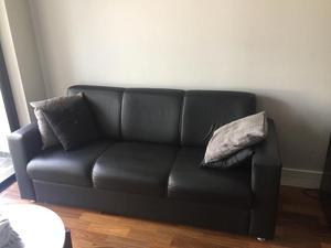 Lindo sofá de canto preto em corino 6 lugares   Posot Class