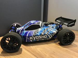 Automodelo Kyosho DBX 2.0 (Nitrometano)