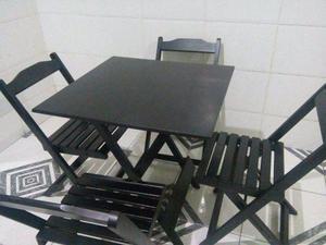 Mesa dobrável 70X70 com 4 cadeiras Dobráveis