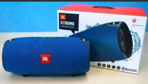 Caixa de som portátil bluetooth jbl Xtreme resistente a