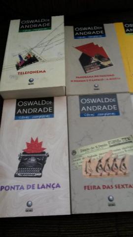 Livros Oswald de Andrade em bom estado de conservação