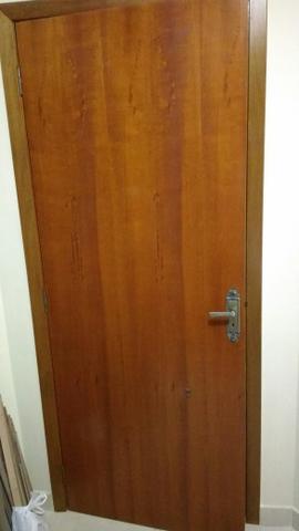Porta interna madeira nobre