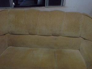 Sofa de 3 lugares em chinile 8 meses de uso perfeito ja