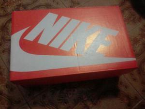 Vendo tênis Nike, 12 molas novo sem uso.  a vista