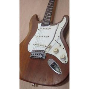 Guitarra Stratocaster Frankstein Corpo Cedro anos 80
