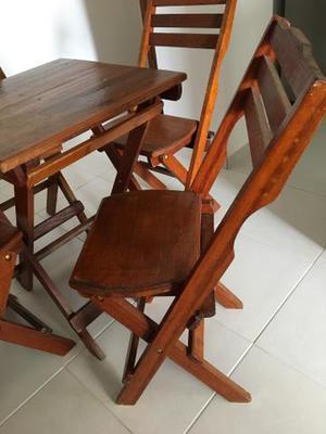 Jogo de cadeiras de madeira maciça