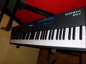 Teclado Kurzweil SP4 7. Piano excelente