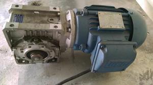 Motor Weg Semi novo Trifásico com Redutor Acoplado
