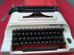 Máquina de escrever Remington 15